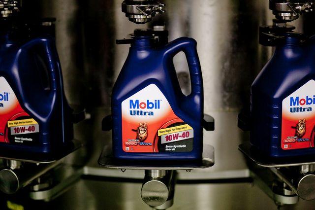 Фирменные моторные масла Mobil