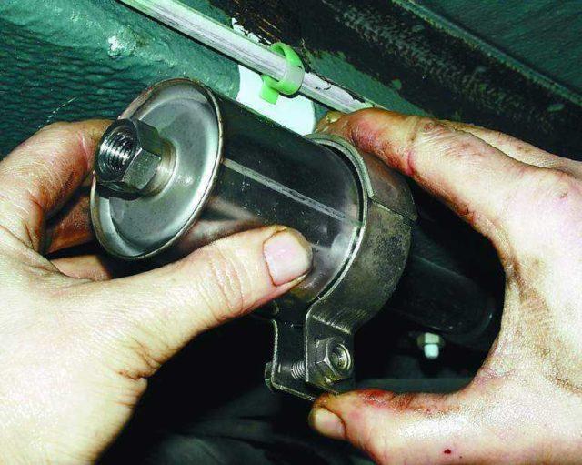 Топливный фильтр ВАЗ 21124 16V