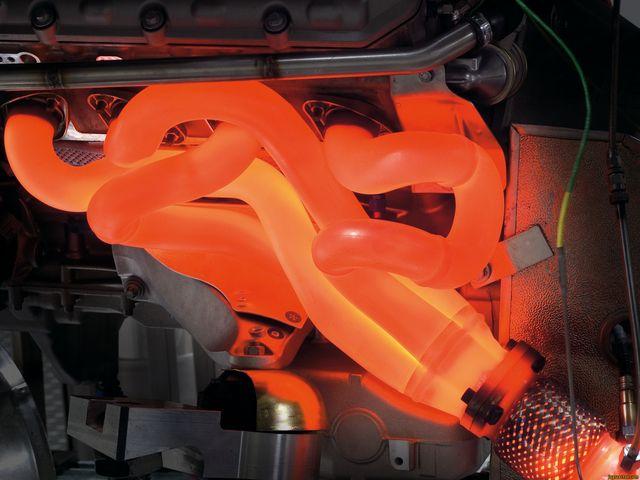 Раскаленный отвод газов двигателя