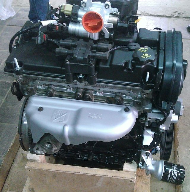 Двигатель Крайслер для Волги