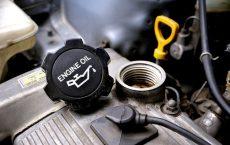 Замена масла в автомобильном двигателе