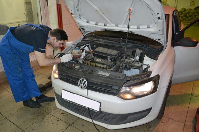 Стук двигателя VW Polo на холодную