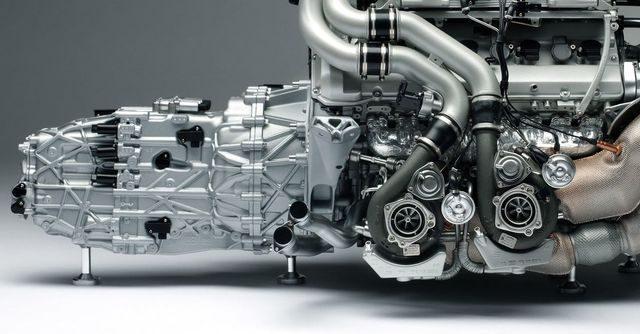 Двигатель и КПП Bugatti Chiron
