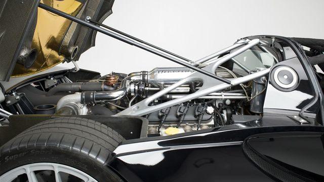 Подкапотное пространство Hennessey Venom GT Spyder