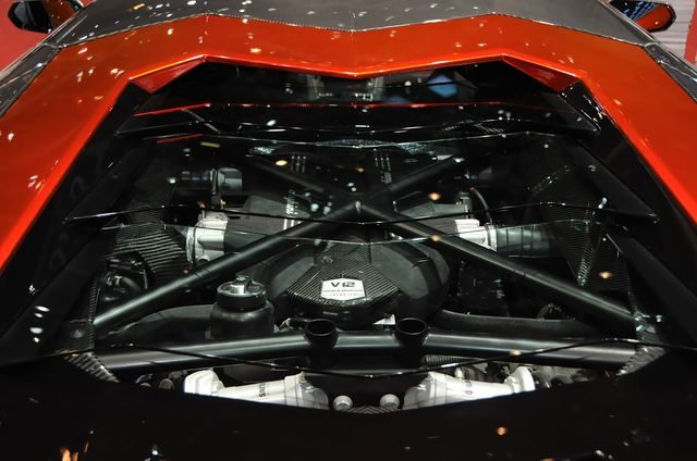 Мотор Lamborghini Avendator Mansory Competition