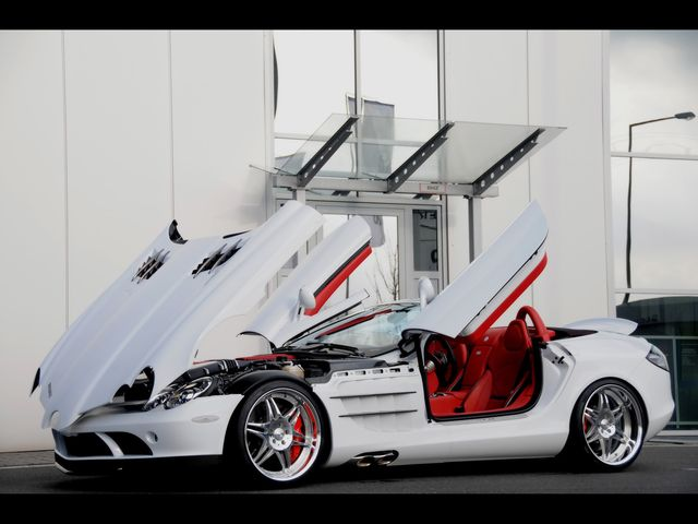 Открытая Mercedes-Benz SLR McLaren