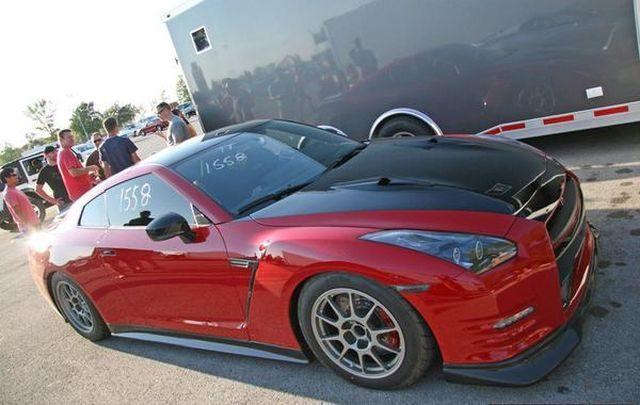 Боковой вид Nissan GT-R Switzer R1K-X Red Katana