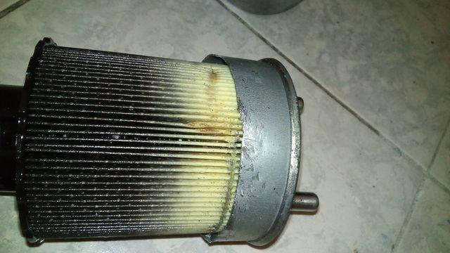 Грязный топливный фильтр дизеля
