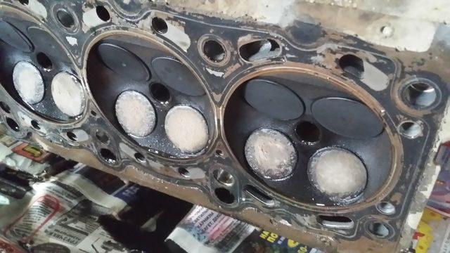 Головка со сгоревшими клапанами