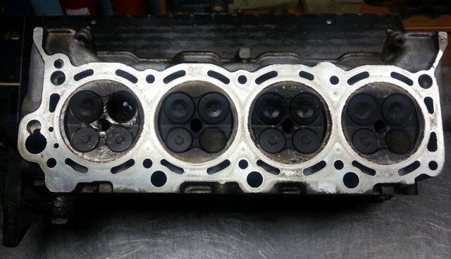 ГБЦ Toyota 2UZ-FE