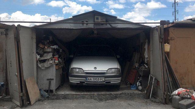 Опель Кадет в гараже