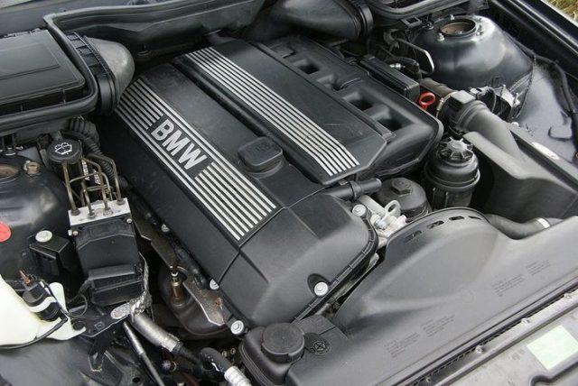 Двигатель BMW M54B25