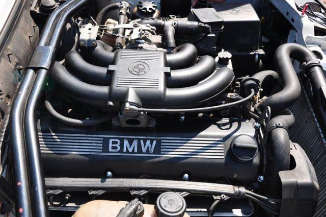 Двигатель BMW M20B20