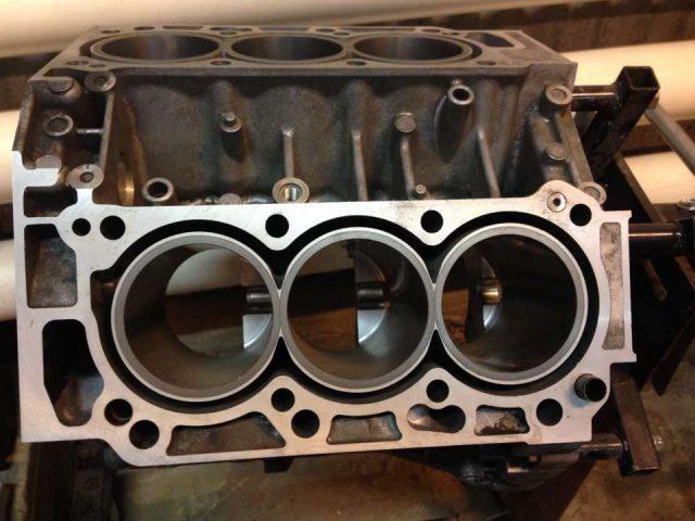 Гильзовка блока цилиндров двигателя
