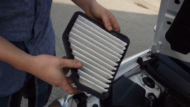Воздушный фильтр Шевроле Кобальт