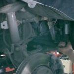 Откручиваем фильтр топлива Рено Дастер дизель