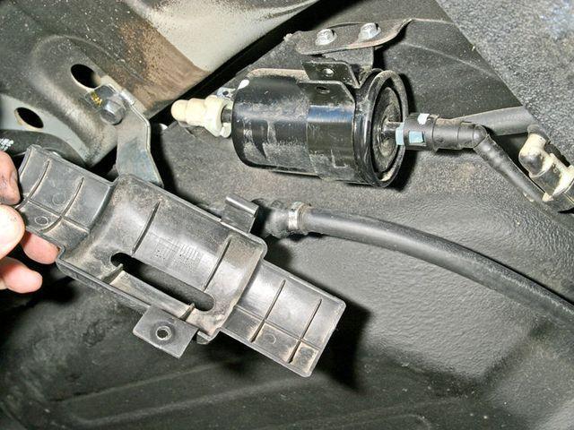 Защитная крышка топливного фильтра Дэу Джентра