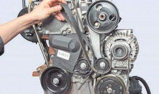 Снимаем ремень вспомогательных агрегатов Рено Кенгу