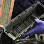 Осматриваем крышку воздушного фильтра Рено Кенгу
