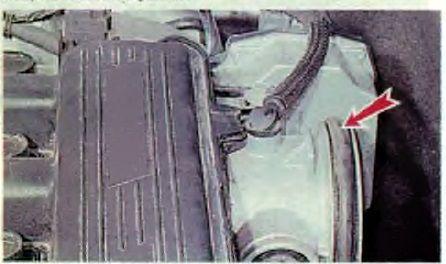 Меняем воздушный фильтр Рено Логан