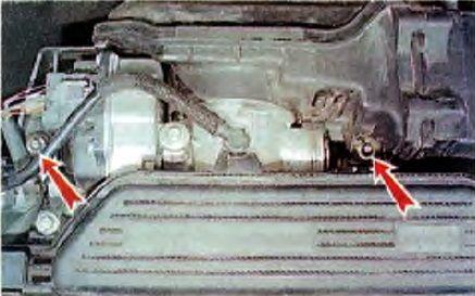 Крепление корпуса воздушного фильтра Рено Логан