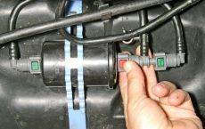 Замена топливного фильтра Рено Клио