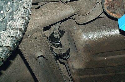 Расположение топливного фильтра Замена топливного фильтра ChevroletAveo Т250