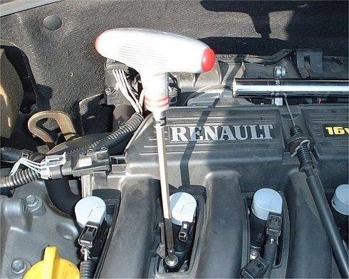 Замена свечей зажигания Renault Megane