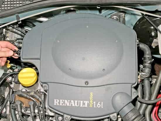 Замена воздушного фильтра Renault Sandero