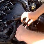 Отключаем топливопроводы Citroen C5