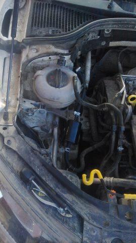 Топливный фильтр под капотом Skoda Octavia A7