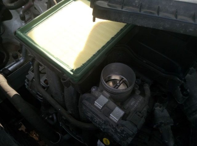 Фильтрующий элемент воздуха Skoda Rapid