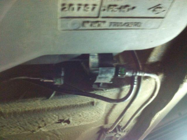 Меняем топливный фильтр Renault Scenic (бензин)