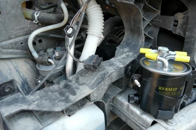 Снимаем питание фильтра Renault Scenic (дизель)