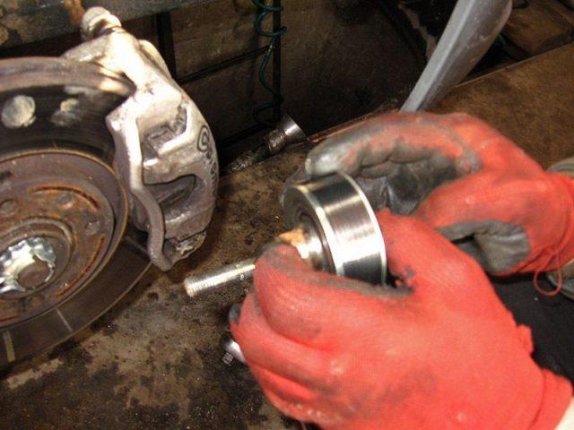 Ролик ремня привода вспомогательных агрегатов Peugeot 207