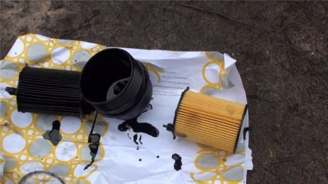 Замена масляного фильтра Пежо 207