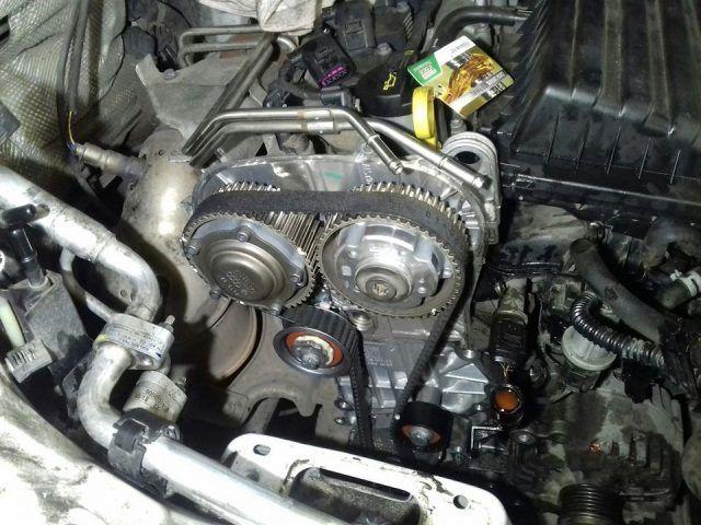 Двигатель без верхней крышки ГРМ